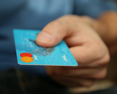 75 procent seniorów w Wielkopolsce woli konto w banku