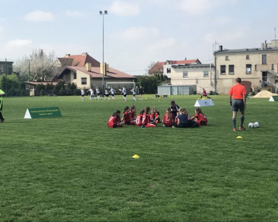 Dziewczynki z Drawska grały w piłkę nożną w Koźminie Wielkopolskim